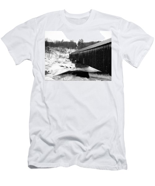 Bath Covered Bridge Men's T-Shirt (Athletic Fit)