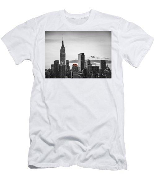 Black And White Version Of The New York City Skyline With Empire Men's T-Shirt (Athletic Fit)