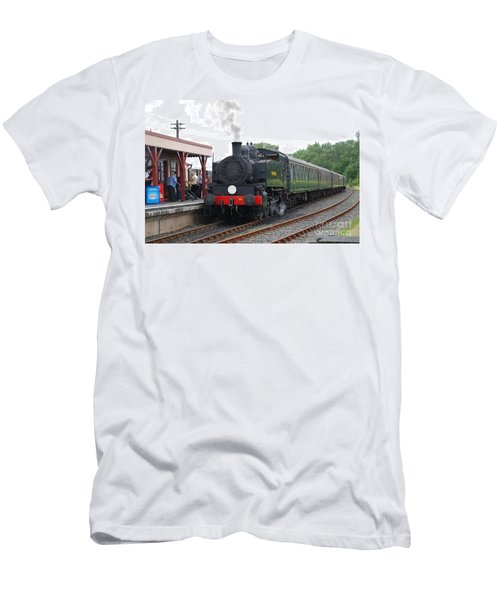 Bodiam Station Men's T-Shirt (Athletic Fit)