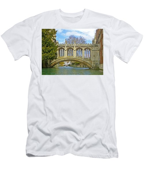 Bridge Of Sighs Cambridge Men's T-Shirt (Athletic Fit)