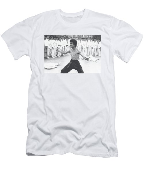 Bruce Lee - Triumphant Men's T-Shirt (Athletic Fit)