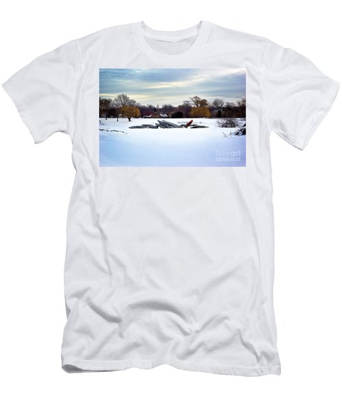 Canoes In The Snow Men's T-Shirt (Athletic Fit)