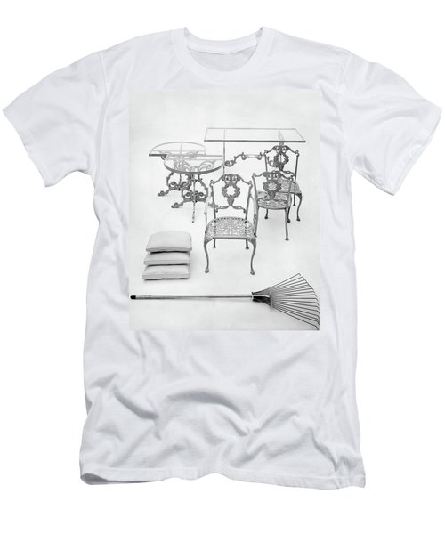 Cast Aluminum Furniture By Molla Men's T-Shirt (Athletic Fit)