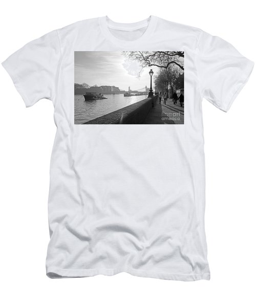 Chelsea Embankment London Uk 3 Men's T-Shirt (Athletic Fit)