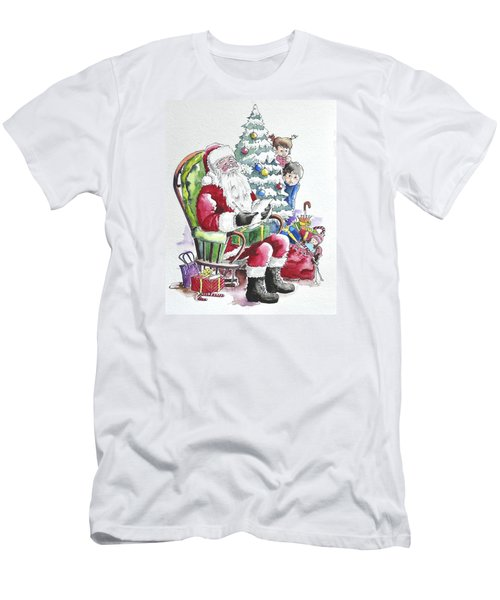Childre Sneaking Around Santa Men's T-Shirt (Athletic Fit)