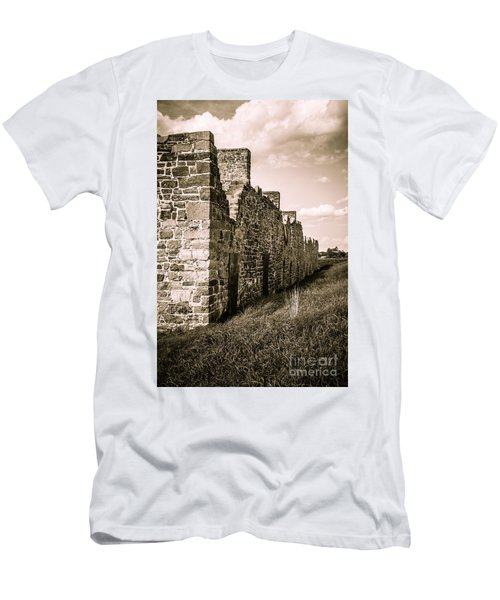 Crown Point New York Old British Fort Ruin Men's T-Shirt (Athletic Fit)