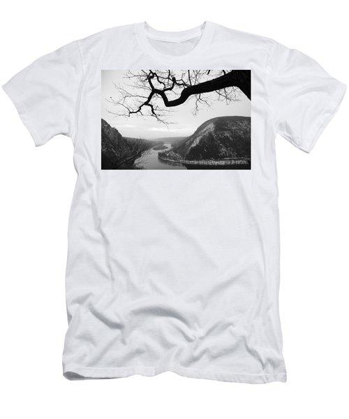 Delaware Water Gap In Winter Men's T-Shirt (Athletic Fit)