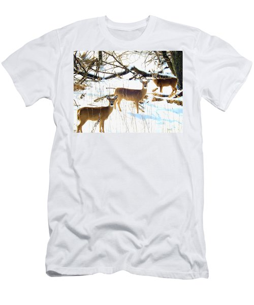 Does In The Snow Men's T-Shirt (Athletic Fit)