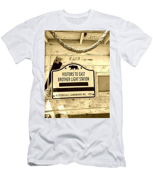 East Brother Light Station Visitor Sign Men's T-Shirt (Athletic Fit)