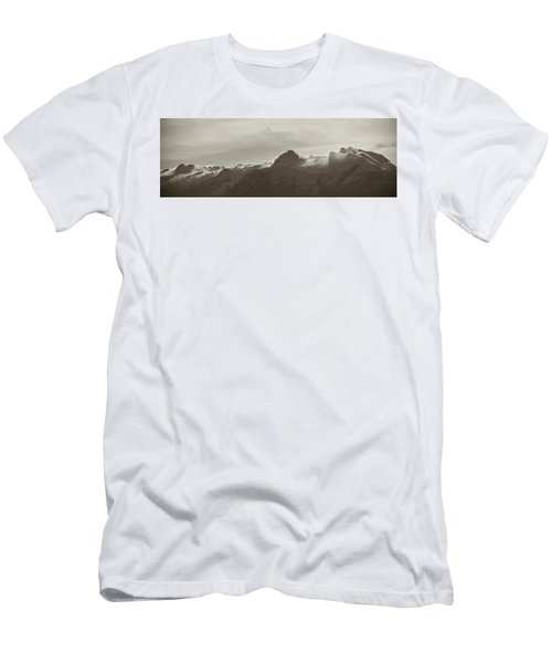 flawy mount peak I Men's T-Shirt (Athletic Fit)