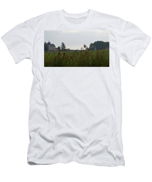 French Chateau Men's T-Shirt (Athletic Fit)