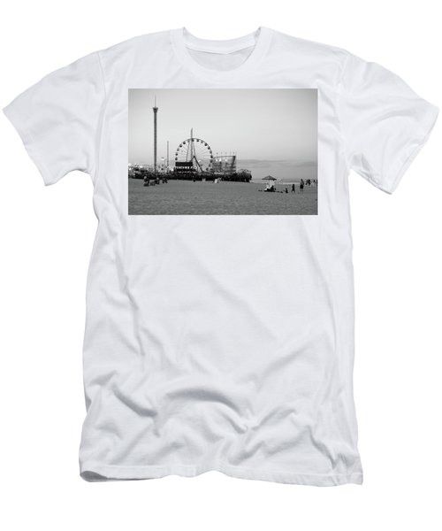 Funtown Pier - Jersey Shore Men's T-Shirt (Athletic Fit)