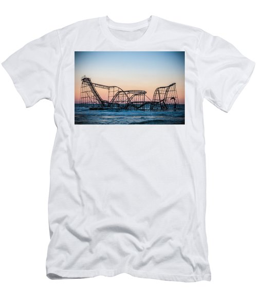 Giant Of The Sea Men's T-Shirt (Athletic Fit)