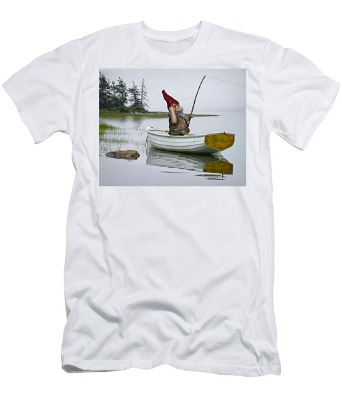 Gnome Fisherman In A White Maine Boat On A Foggy Morning Men's T-Shirt (Athletic Fit)