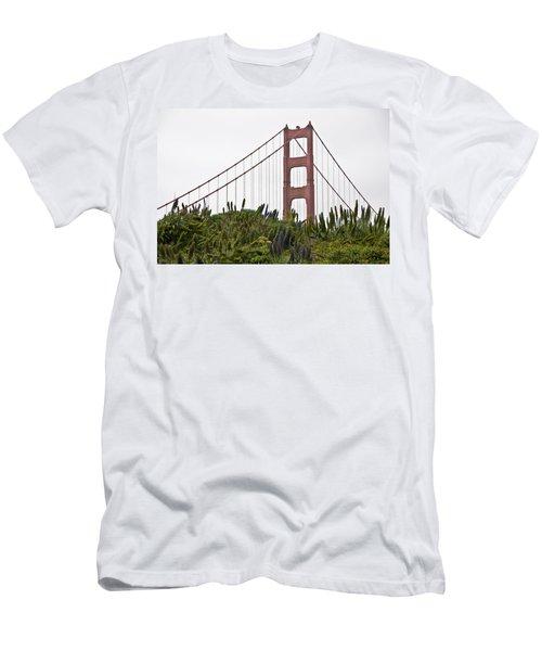 Golden Gate Bridge 1 Men's T-Shirt (Athletic Fit)