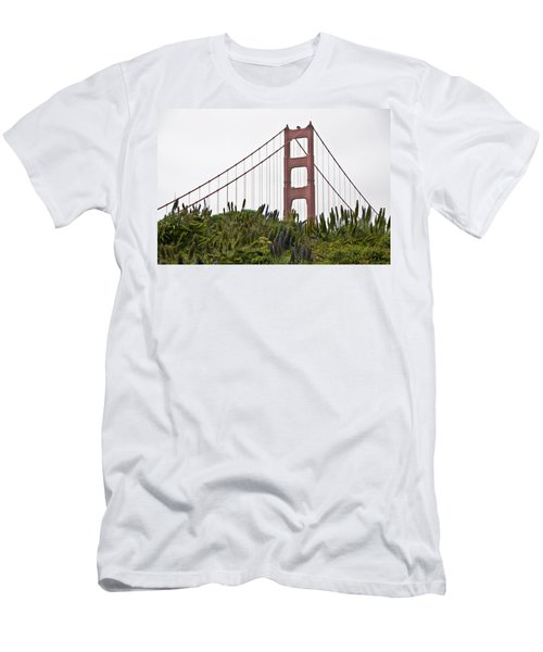 Golden Gate Bridge 1 Men's T-Shirt (Athletic Fit)