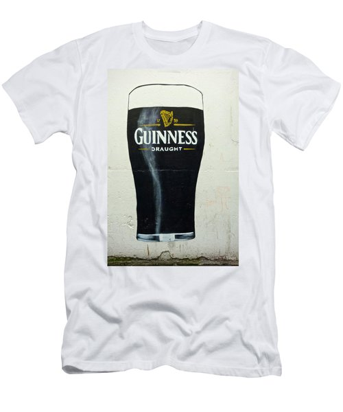 Guinness - The Perfect Pint Men's T-Shirt (Athletic Fit)