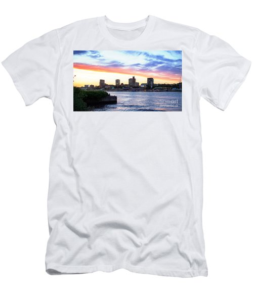 Hamburg Riverside Men's T-Shirt (Athletic Fit)