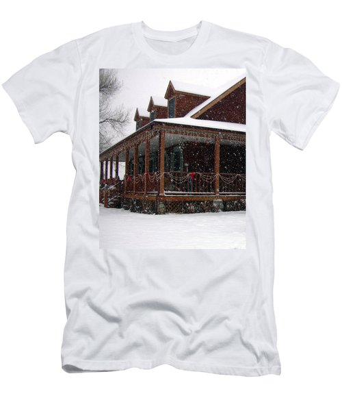 Holiday Porch Men's T-Shirt (Athletic Fit)