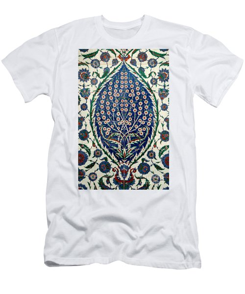 Iznik 07 Men's T-Shirt (Athletic Fit)