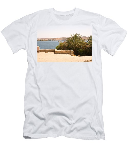 Lakeview 2 Men's T-Shirt (Athletic Fit)