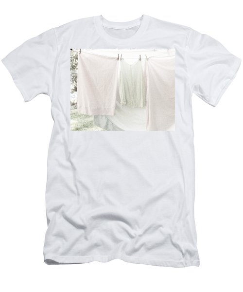 Laundry On The Line In Pink And Green Men's T-Shirt (Athletic Fit)