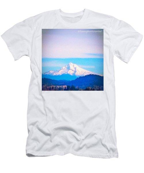 Majestic Mt Hood Men's T-Shirt (Athletic Fit)
