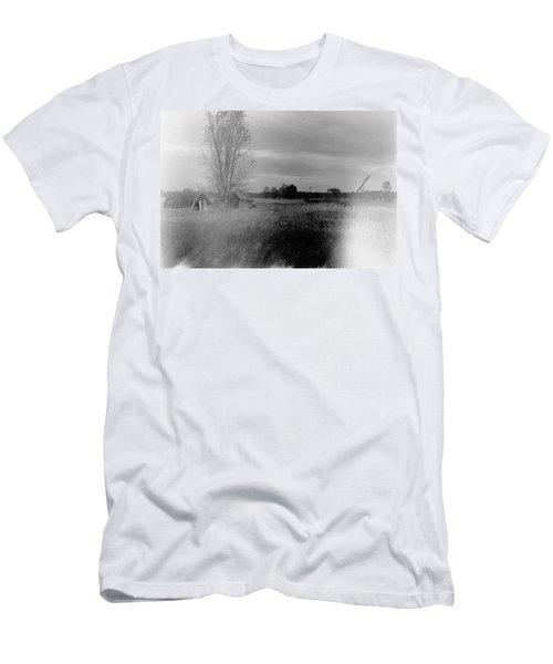 Men's T-Shirt (Slim Fit) featuring the photograph Maple Ridge Rd Farm by Daniel Thompson