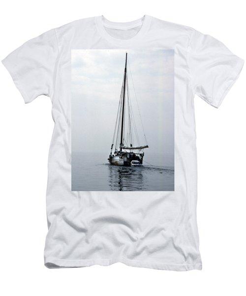 Minnie V Men's T-Shirt (Athletic Fit)