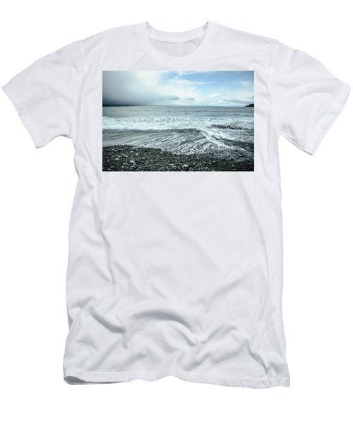 Moody Waves French Beach Men's T-Shirt (Athletic Fit)