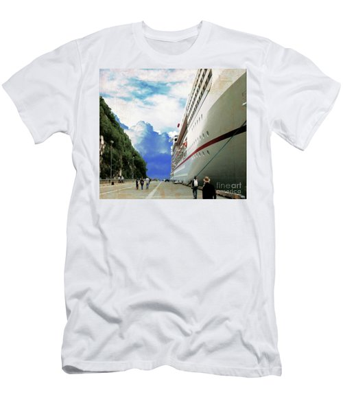 North To Alaska Men's T-Shirt (Athletic Fit)