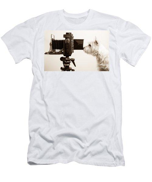 Pho Dog Grapher Men's T-Shirt (Athletic Fit)