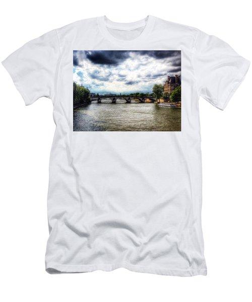 Pont Des Arts Men's T-Shirt (Athletic Fit)