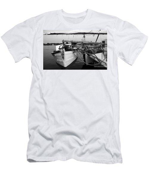 Push Boat Men's T-Shirt (Athletic Fit)