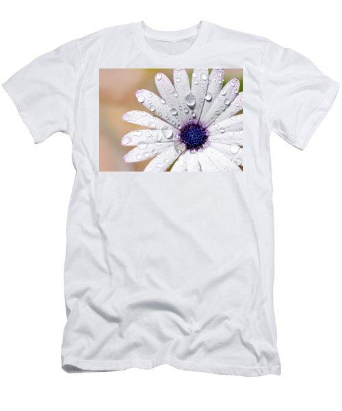 Rain Soaked Daisy Men's T-Shirt (Athletic Fit)