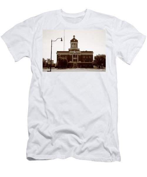 Route 66 - Beckham County Courthouse Men's T-Shirt (Athletic Fit)