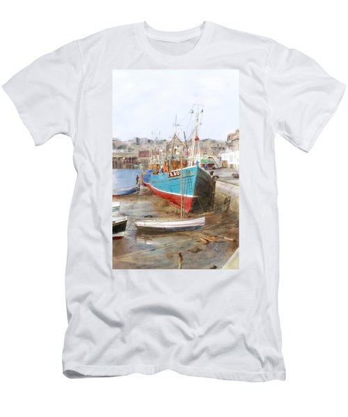 Scarborough Harbour Men's T-Shirt (Athletic Fit)