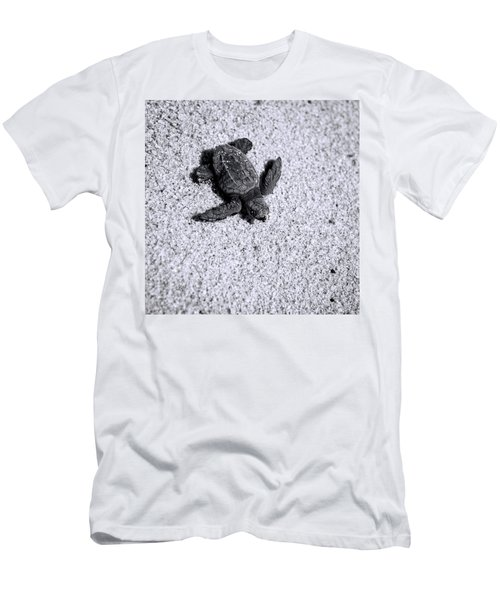 Sea Turtle In Black And White Men's T-Shirt (Athletic Fit)