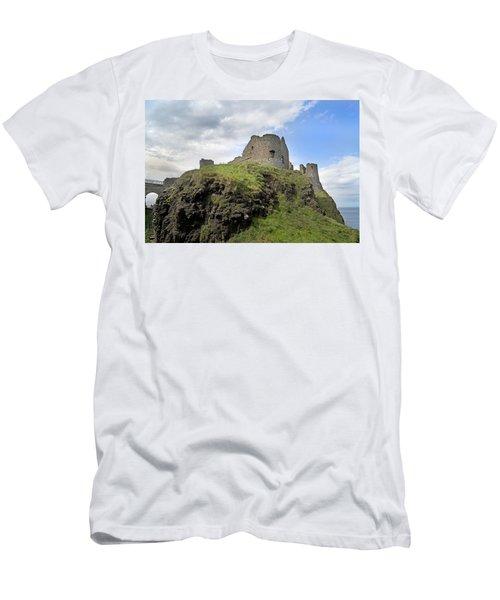 Seaside Castle Ireland Men's T-Shirt (Athletic Fit)