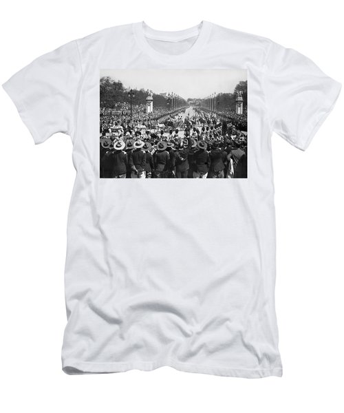 Silver Jubilee Procession Men's T-Shirt (Athletic Fit)