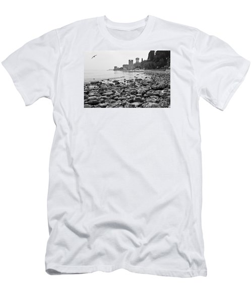 Sirmione Castle Men's T-Shirt (Athletic Fit)
