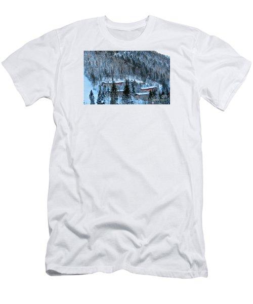 Snow Cabins Men's T-Shirt (Athletic Fit)