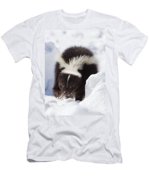 Snowy Walk Men's T-Shirt (Athletic Fit)