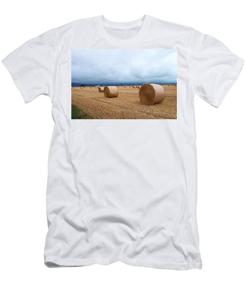 Straw For The Garden Maybe Men's T-Shirt (Athletic Fit)