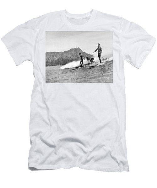 Surfing In Honolulu Men's T-Shirt (Athletic Fit)