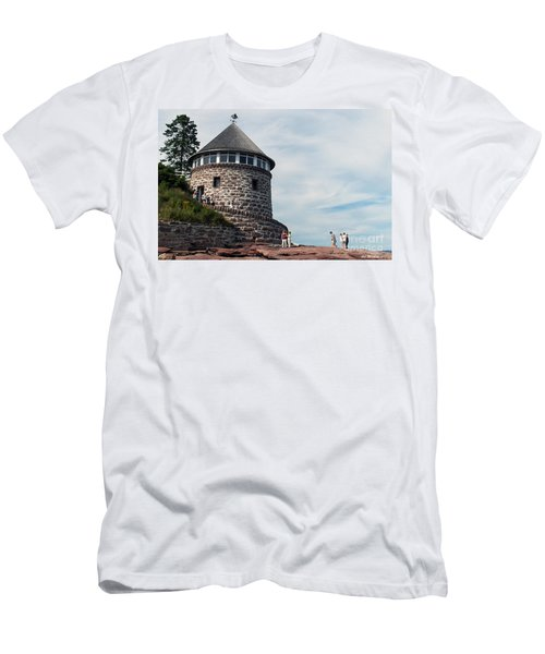 The Bath House On Ministers Island Nb Men's T-Shirt (Athletic Fit)