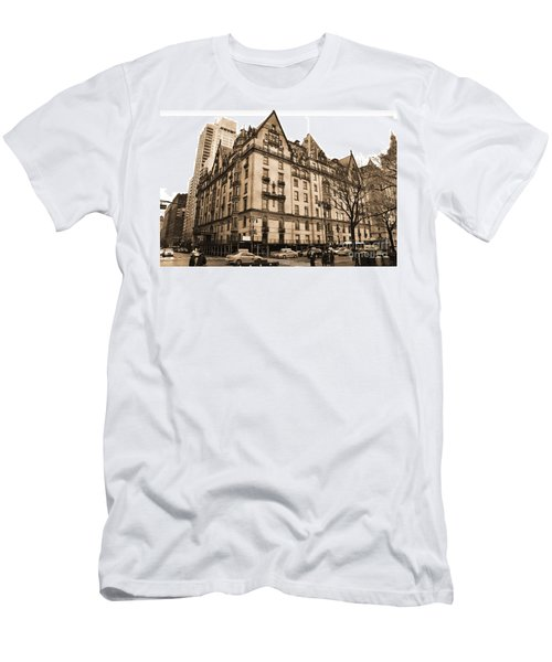 The Dakota Vintage Look Men's T-Shirt (Athletic Fit)