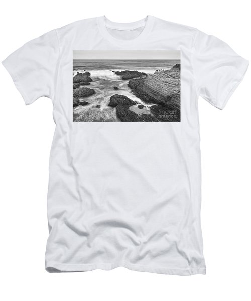 The Jagged Rocks And Cliffs Of Montana De Oro State Park In California In Black And White Men's T-Shirt (Athletic Fit)