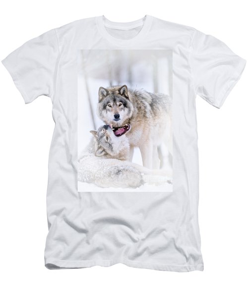 Timber Wolf Pictures 56 Men's T-Shirt (Athletic Fit)