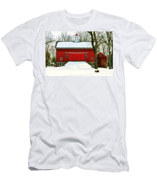 Tinicum Barn In Winter II Men's T-Shirt (Athletic Fit)